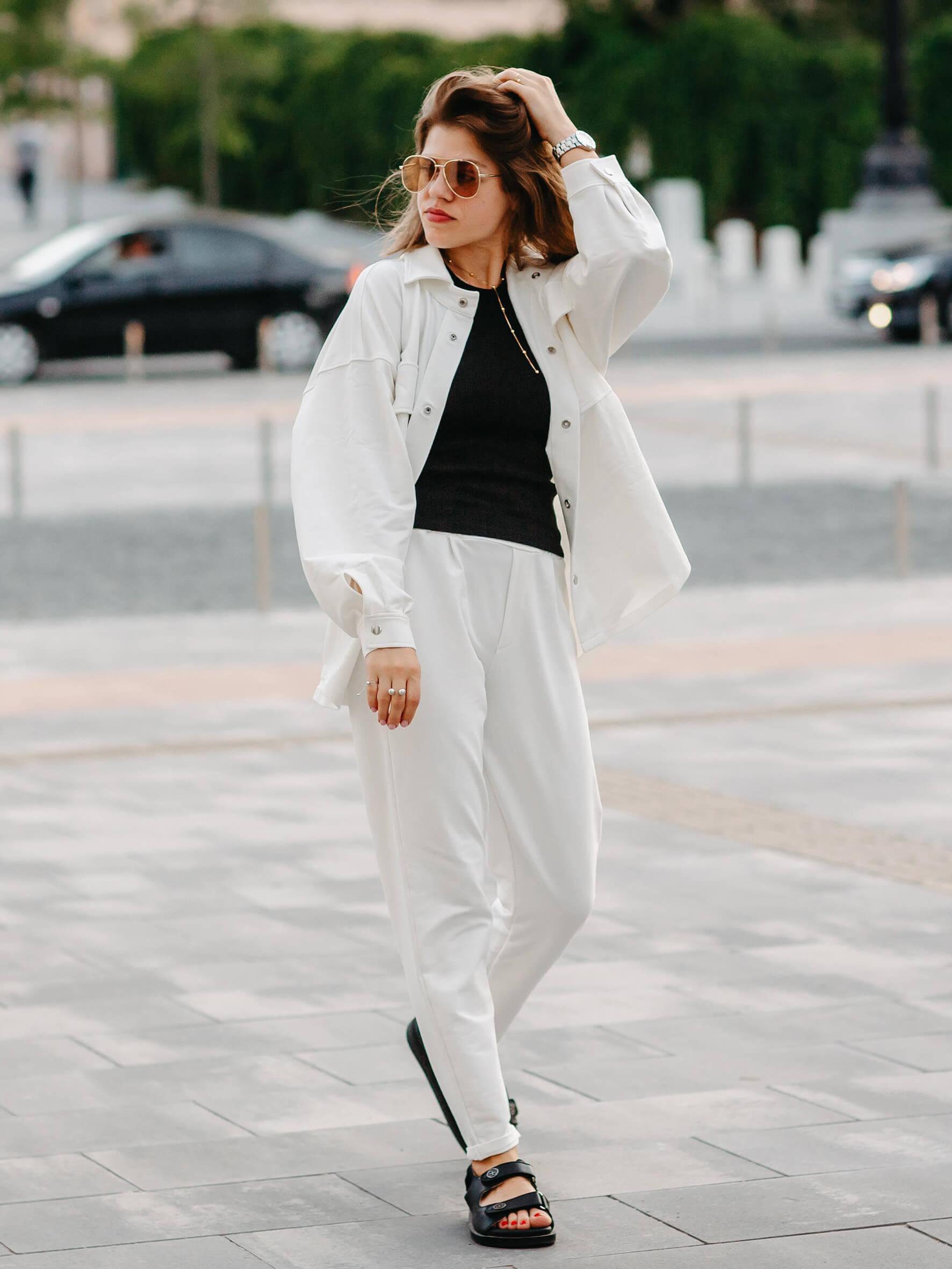 костюм женский белый